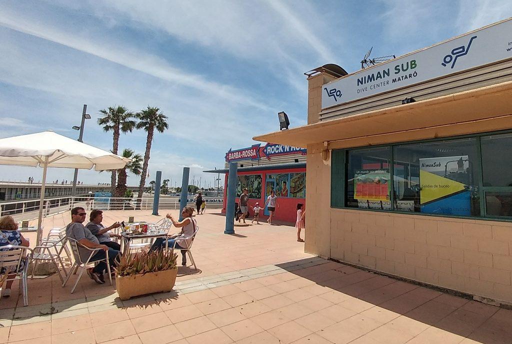 Centro de buceo Nimansub en el puerto de Mataró